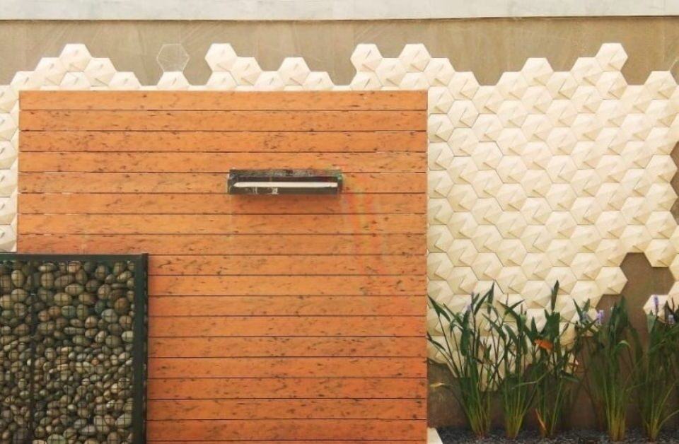 Sentuhan-Mewah-Dinding-Rumah-Minimalis-Kontemporer-Mosaicar-3d-wall-panelt